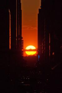 Manhattanhenge_el_m_gico_alineamiento_del_sol_en_las_calles_de_Nueva_York_03
